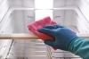 Как убрать запах в холодильнике?  Автор: Александр Смирнов